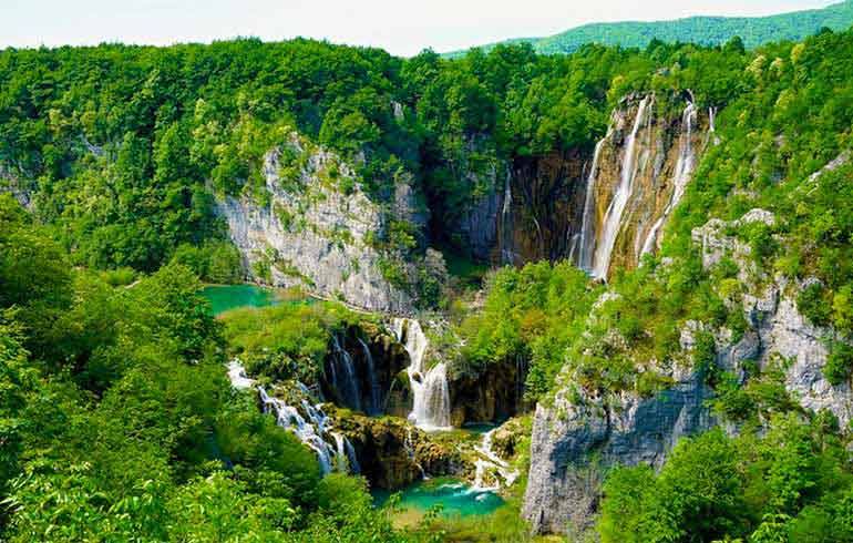 Plitvice Lakes National Park Excursion
